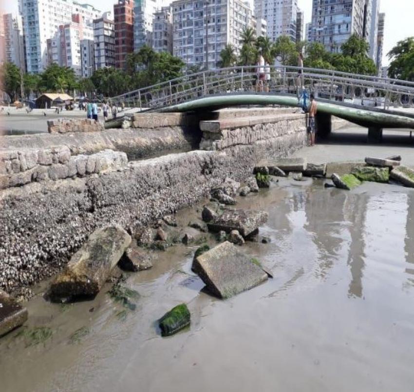 Canais da praia precisam de reparos.