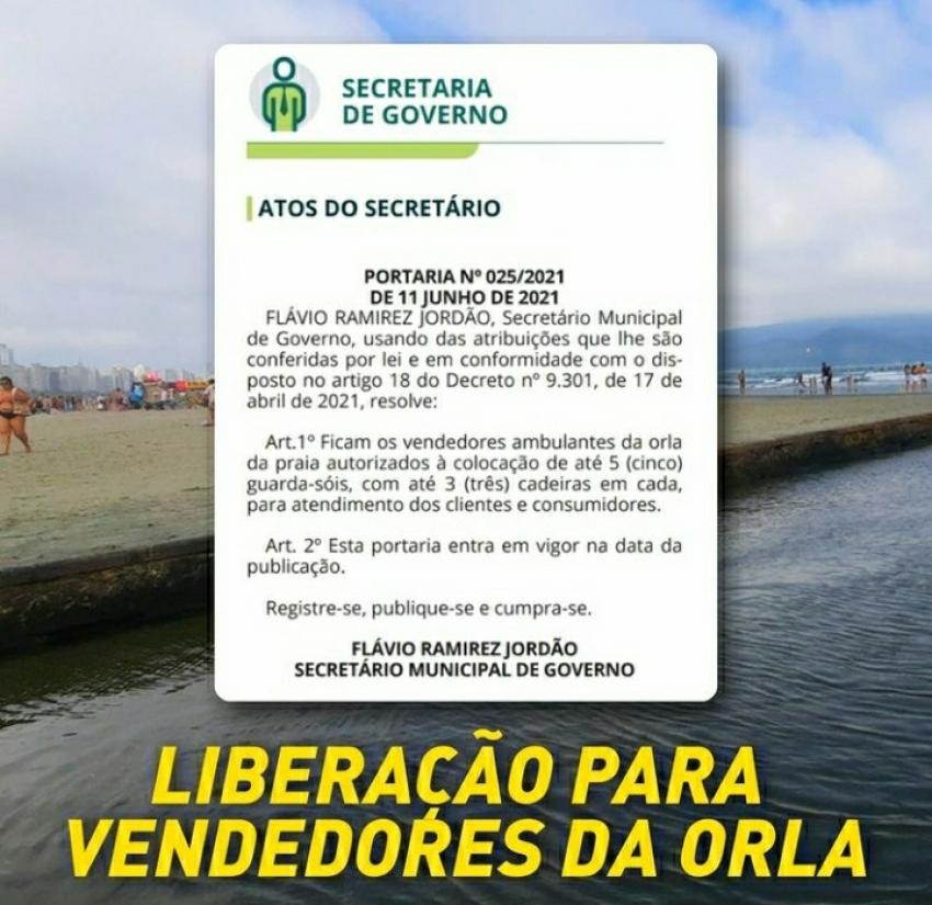 Guarda Sóis e cadeira de praia liberadas na praia de Santos