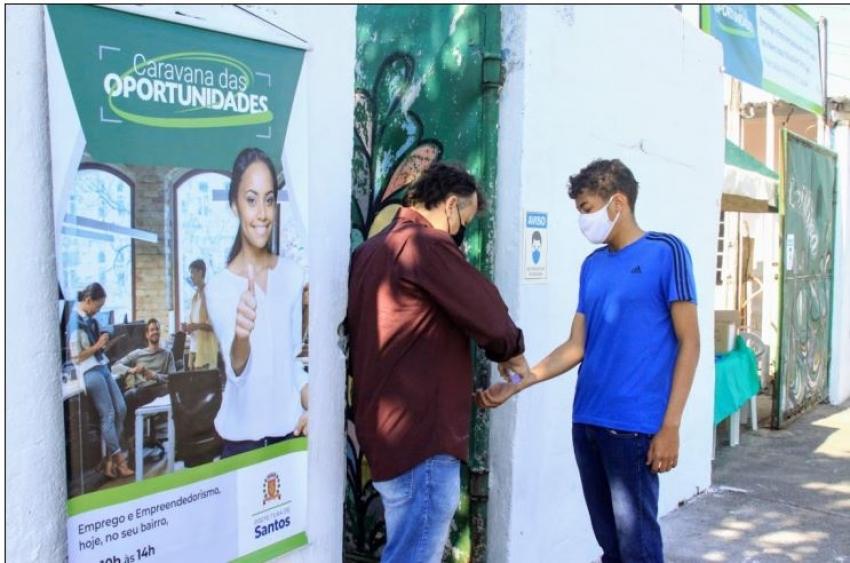 Caravana das Oportunidades leva serviços e brincadeiras à Zona Noroeste de Santos