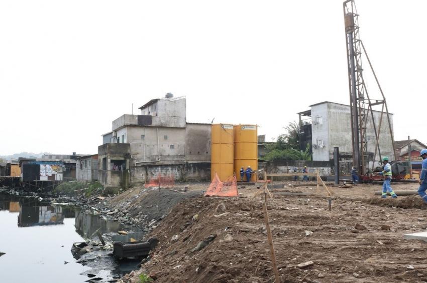 Implantação de sistema contra alagamentos avança na Zona Noroeste de Santos