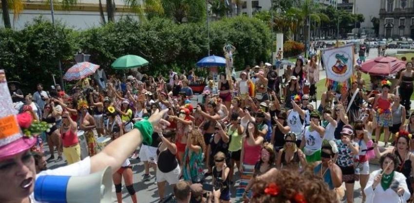 Sanitarista diz que não existe possibilidade de Carnaval de rua em 2022
